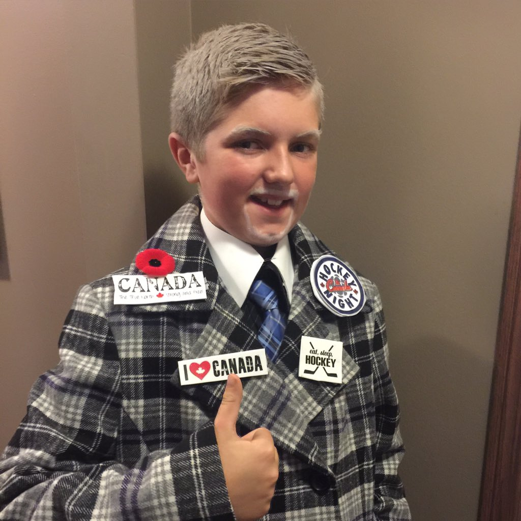 Getting lots of compliments for his costume @RonMacLeanHTH @CoachsCornerCBC @hockeynight #halloween2015 https://t.co/sd6rBbcDPj