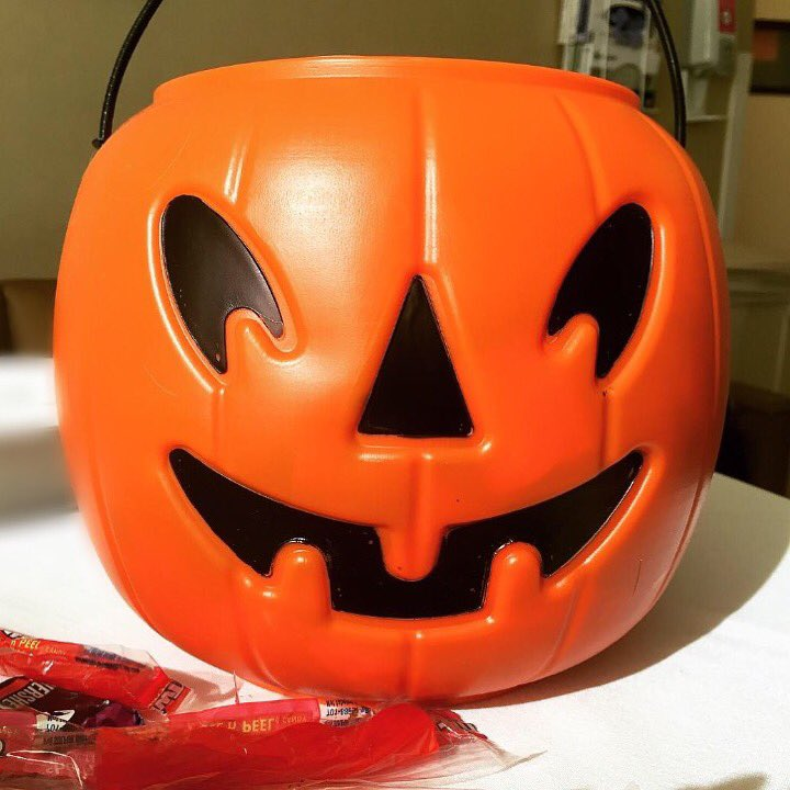 Happy Halloween ???????????? https://t.co/DQ2klBQ01t
