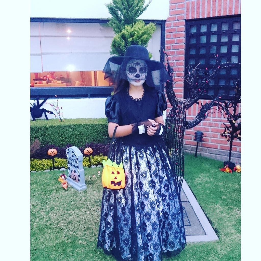@LuceroMexico Mira a mi Catrina hermosa, mi nena #LUenHalloween https://t.co/gx5EiMe0xl