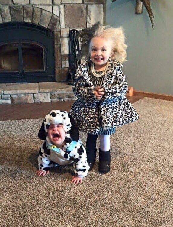 Nailed it! This wins Halloween... https://t.co/k2HJNVECiW