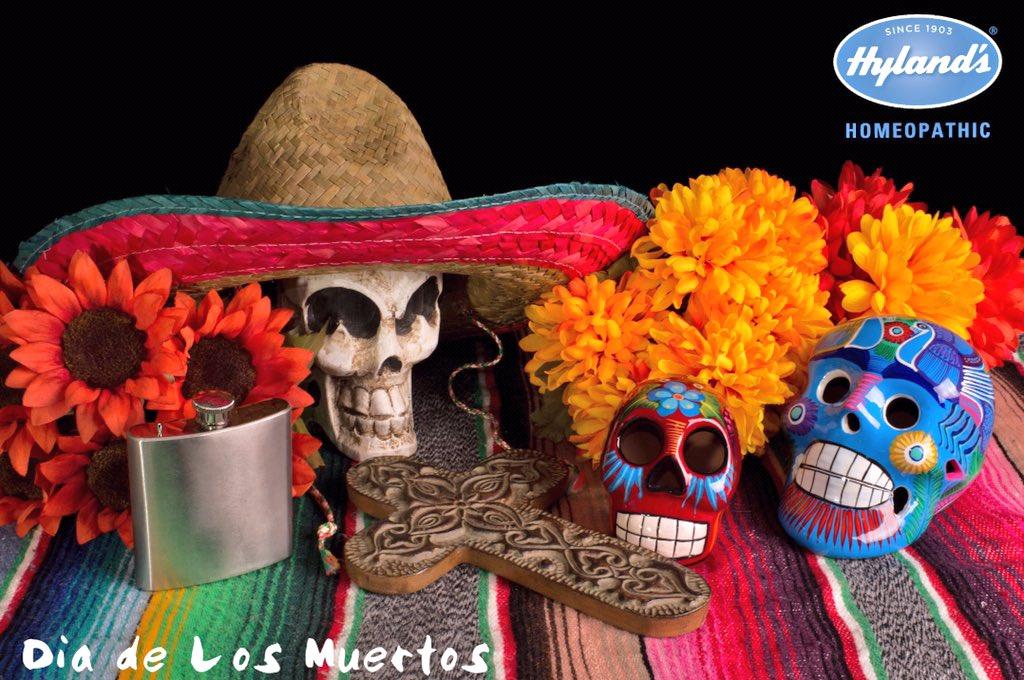 Happy Dia de Los Muertos (Day of the Dead)! #DiaDeLosMuertos #dayofthedead https://t.co/kes21e1dYZ