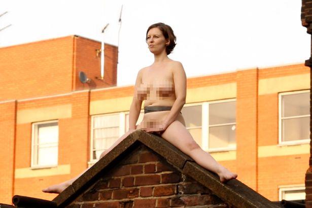 Krakenhot provocative woman naked next to the window 4