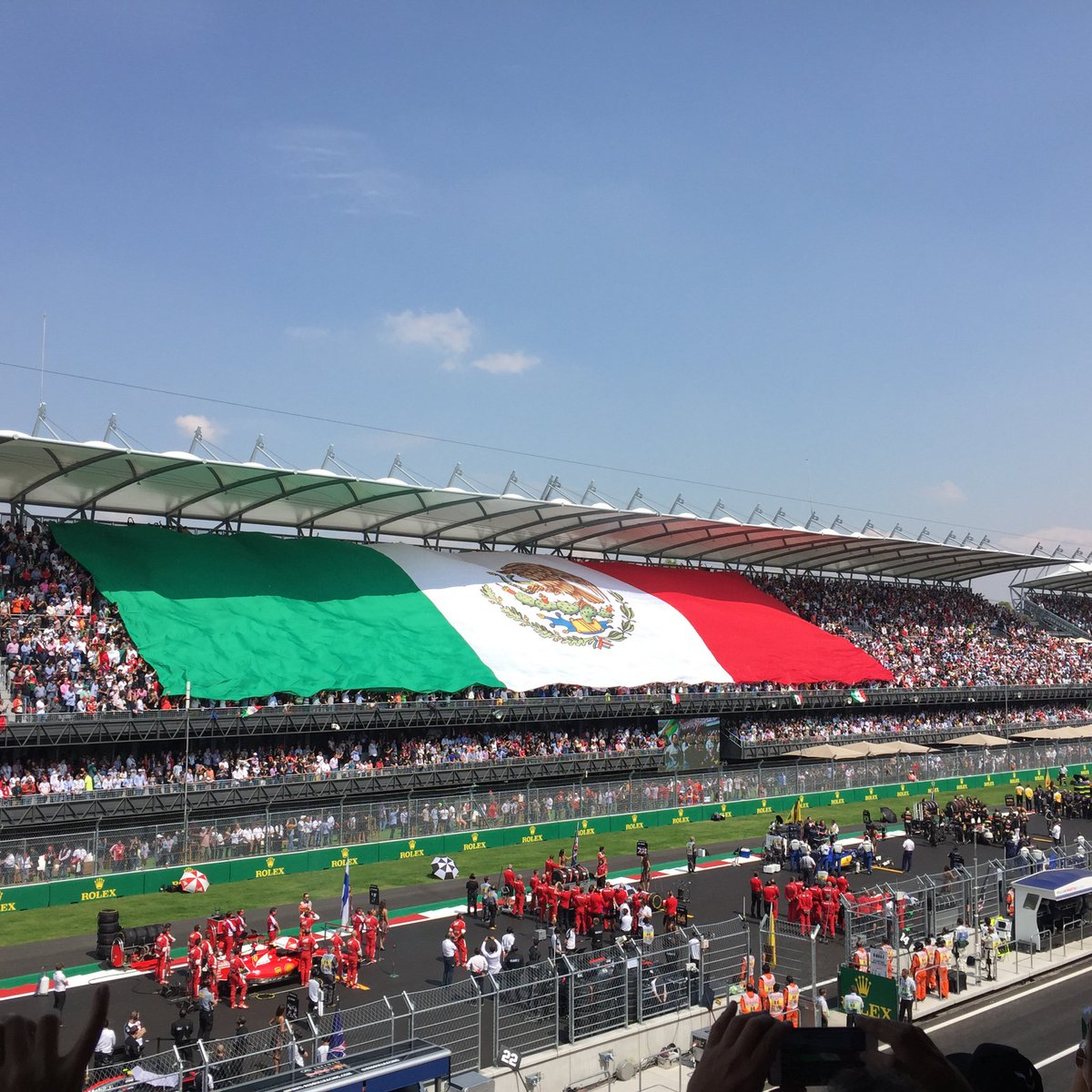 ¡Viva México! #F1 #GPMexico #ilovemexico #RedBullUndercover (vía @memorojas15 ) https://t.co/zJA9xQYoao