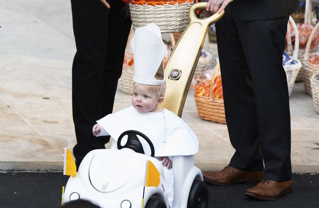 President Obama Couldn T Handle This Kid S Adorable Pope Halloween