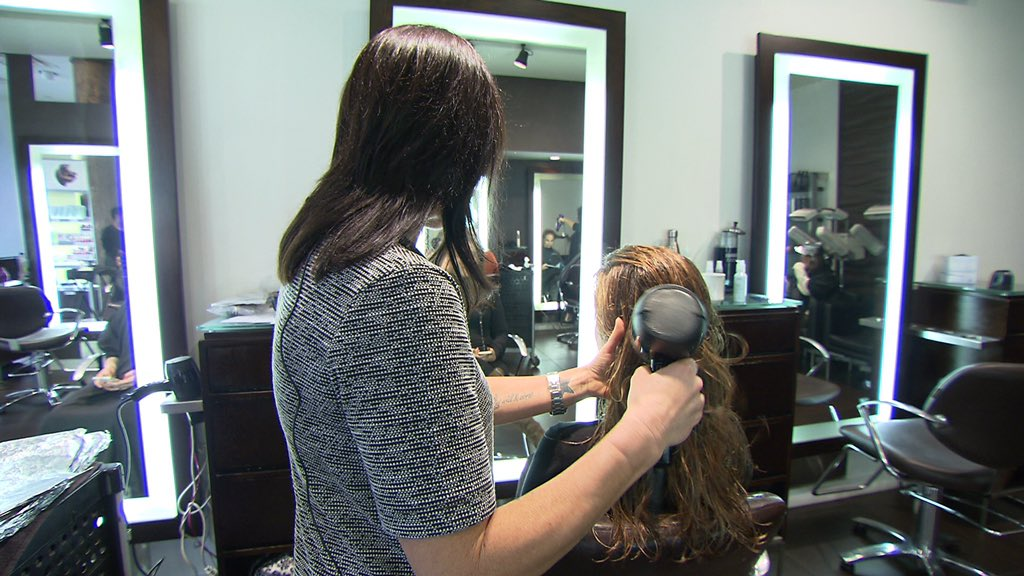 Spotting domestic violence at the salon. One state may make it law. @CBSEveningNews @SafeHorizon https://t.co/yEOzjDc3S2