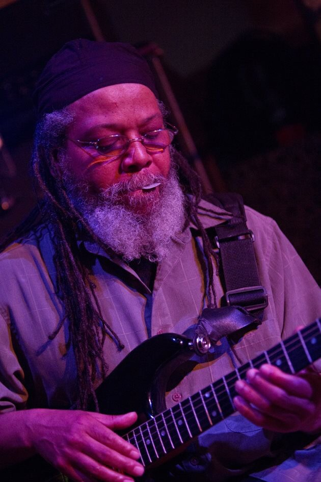 """Please send positive vibes and energy to Gary """"Dr. Know"""" Miller of Bad Brains! https://t.co/Z0YGVIlWWV"""