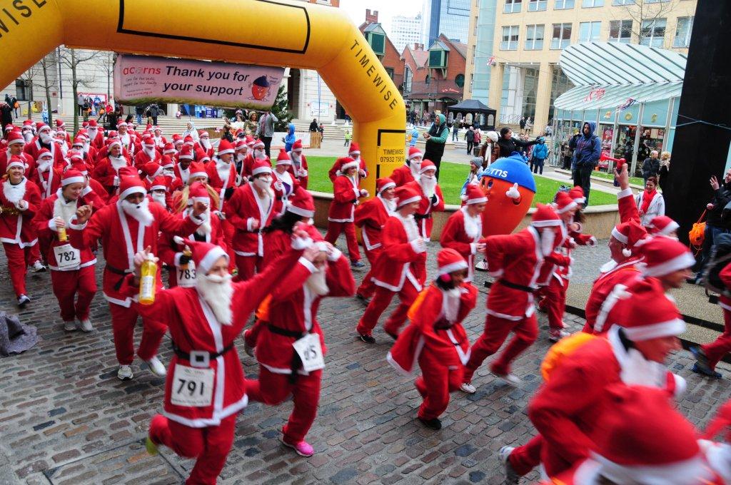 Santas needed! Join hundreds for #AcornsSantaRun in B'ham City Centre next month https://t.co/N1tw97QW4v #BrumHour https://t.co/eGBfM2LgGO