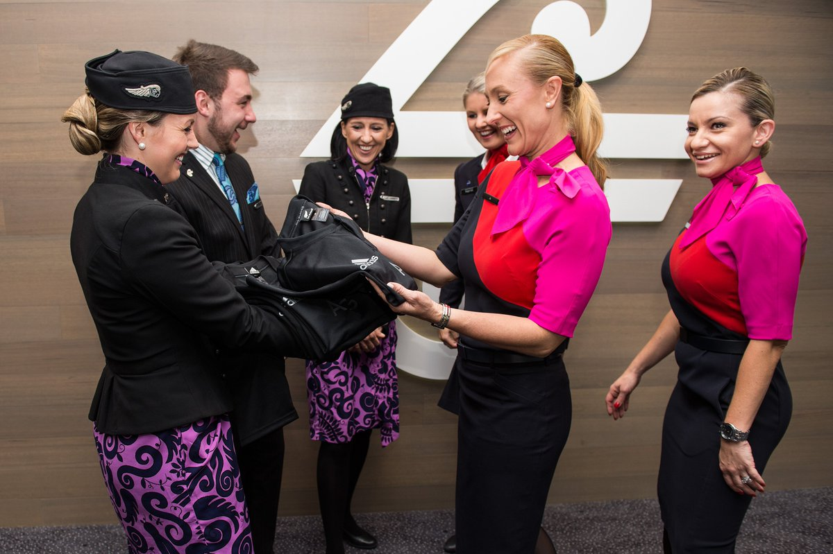 Today @Qantas played good sports and followed through with #AirlineWager wearing @AllBlacks jerseys on board. https://t.co/2tRjgxcboI