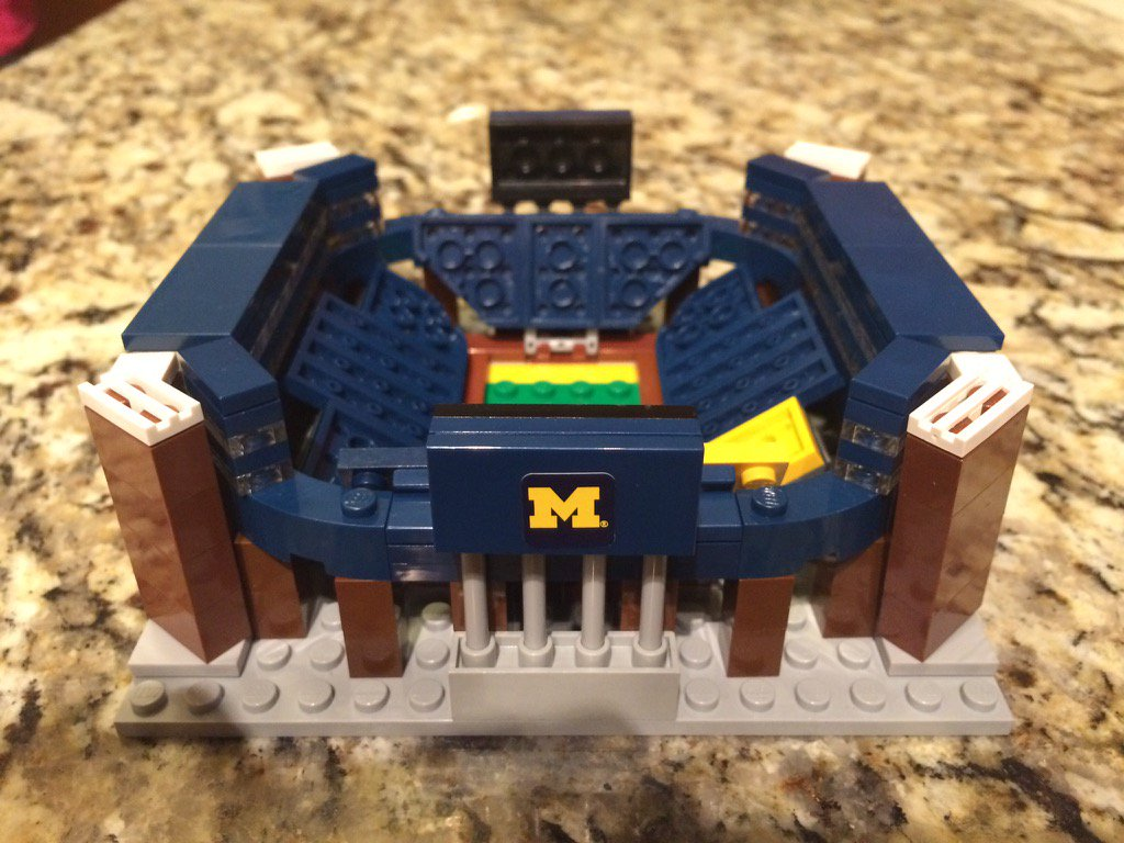 "@mgsiegler Have this? ""Check out the Mini Lego BIG HOUSE!! #Michigan #michiganthings "" https://t.co/WFVooCe56E"