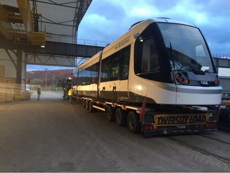 News from the City Market: Catch the KC Streetcar arrival today! https://t.co/ZSzXefAw8A https://t.co/hsrBdj2d8V