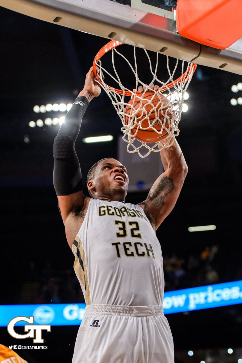 YES!!! JACKETS WIN 69-67!!! #TogetherWeSwarm https://t.co/dExvozpYMM