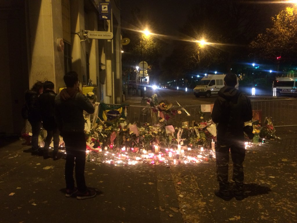 It's 4:40am here in #Paris and there's still a steady stream of people stopping by the #Bataclan theatre to mourn. https://t.co/OGawVL5czM