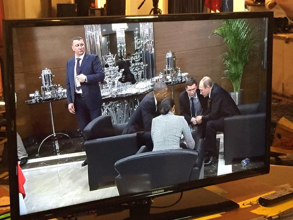 Obama and Susan Rice huddling with Putin on sidelines of G20 Summit in Turkey. https://t.co/KtSZBJ1RuZ