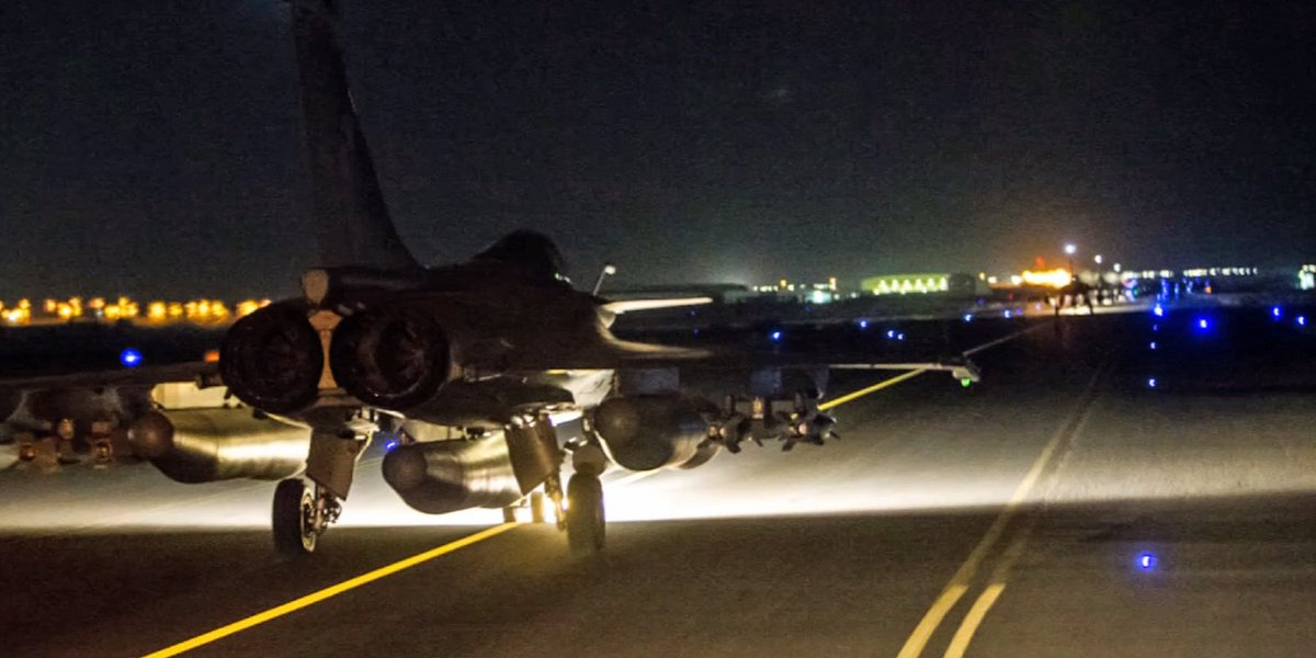 First pic from French MoD of tonight's military operation by French jets against IS targets in #raqqa #syria https://t.co/tEJ5AAK5TA