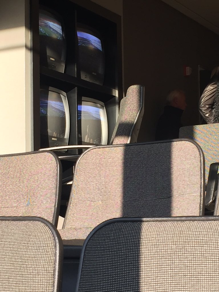 Raiders luxury boxes feature state of the art tube televisions. https://t.co/LQNm852Csa