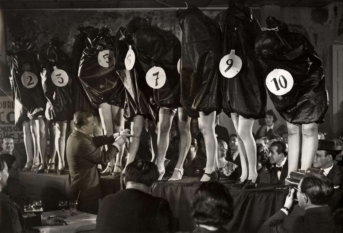 Most beautiful legs contest in Paris, 1936. https://t.co/fXdwpTs5Vd