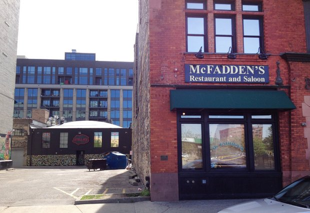 McFadden's is closing, and a new BarFly restaurant will replace it https://t.co/0V5v5CINcD https://t.co/NVcDLnMYja