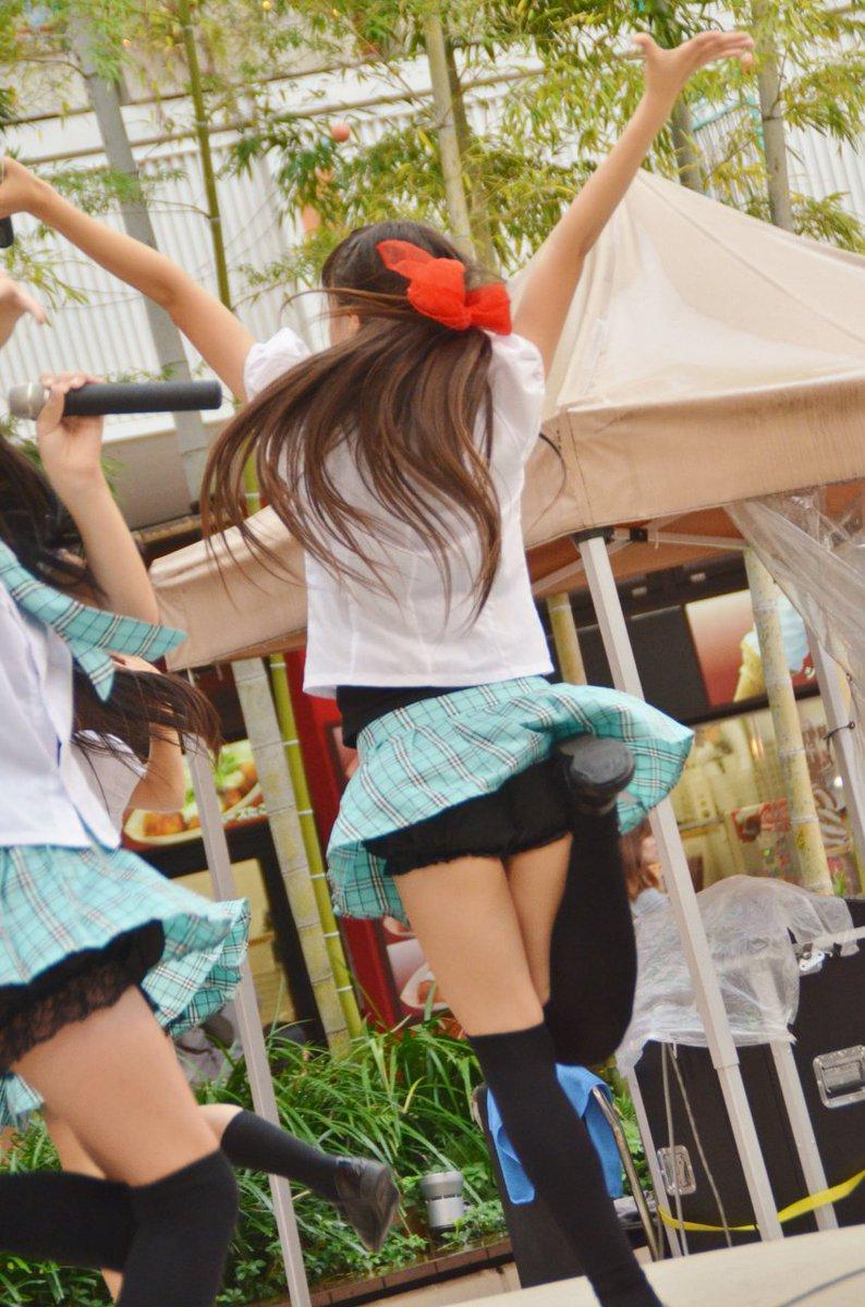 11歳・小学6年生が超ミニスカでパンツ丸見え [転載禁止]©2ch.net [342992884]->画像>28枚