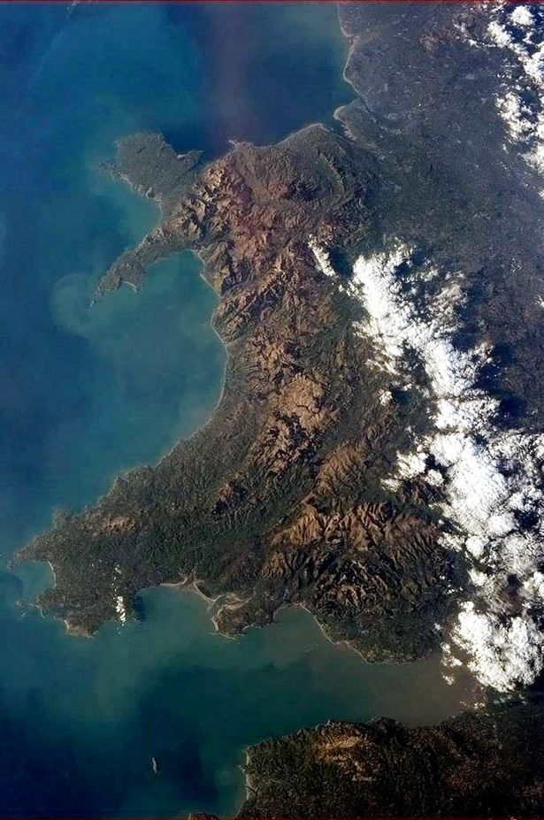 Wales from the International Space Station; taken by astronaut Chris Hadfield https://t.co/WAuPRUJcrK