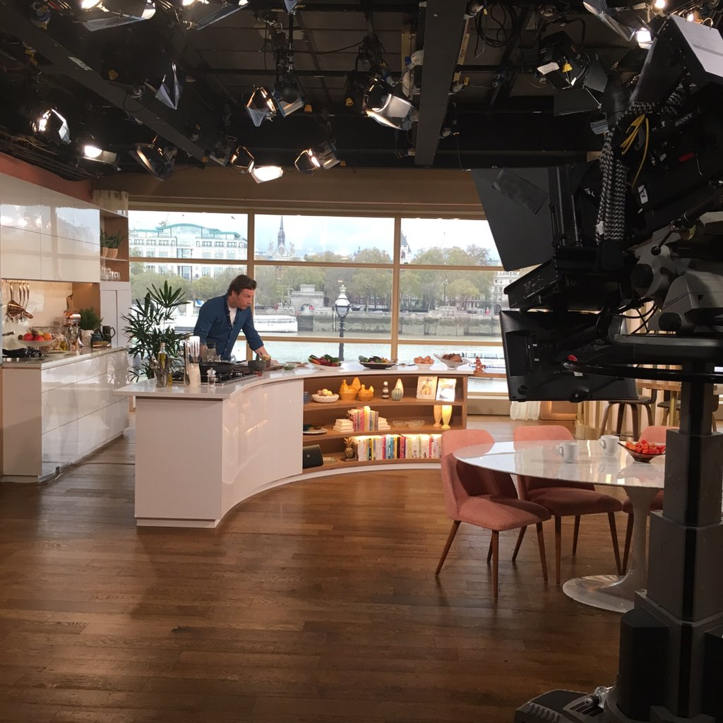 Getting ready to cook up some dishes from my new book #jamiessuperfood on @itvthismorning https://t.co/I3iaCZg61X