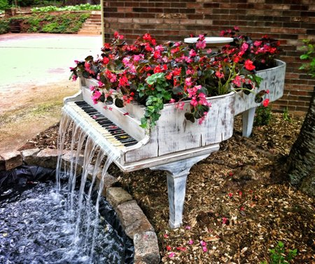 Adorable reciclaje en el jardín « manualidades