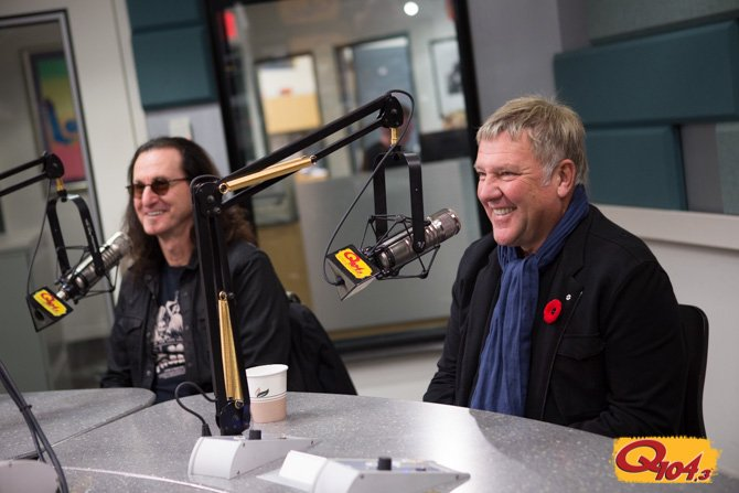WATCH: @rushtheband Talk 40 Years As A Band And As Friends w/ Jim Kerr and @shellisonstein https://t.co/4rNQn0668m https://t.co/d2lRPQqk8R