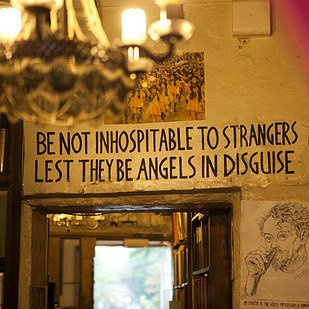 Paris Bookstore Shakespeare & Co. Sheltered Customers During Attacks https://t.co/EWGfuViEUa via @BuzzFeedBooks https://t.co/AzsgrGOLjq
