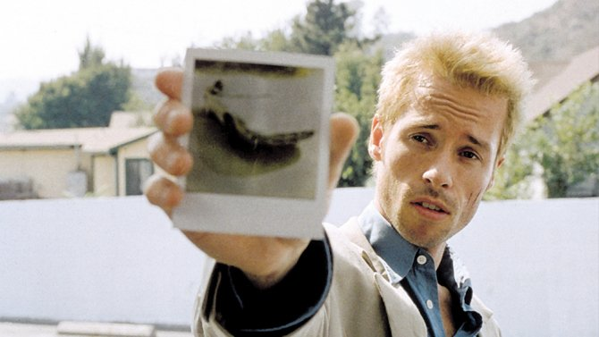Christopher Nolan's Memento is getting a remake