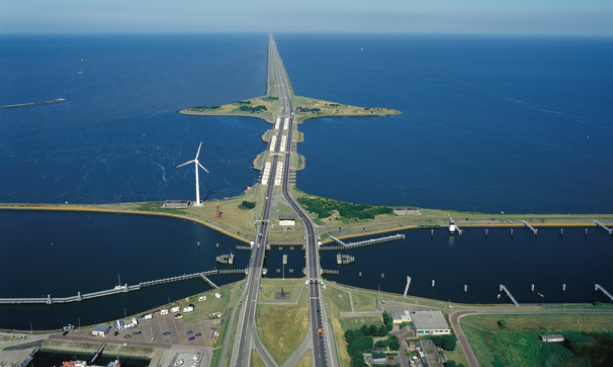 How much of the #Dutch territory is below sea level? Check out some interesting facts! https://t.co/KL6L9Ks1D9 https://t.co/NxrWMHGVjV