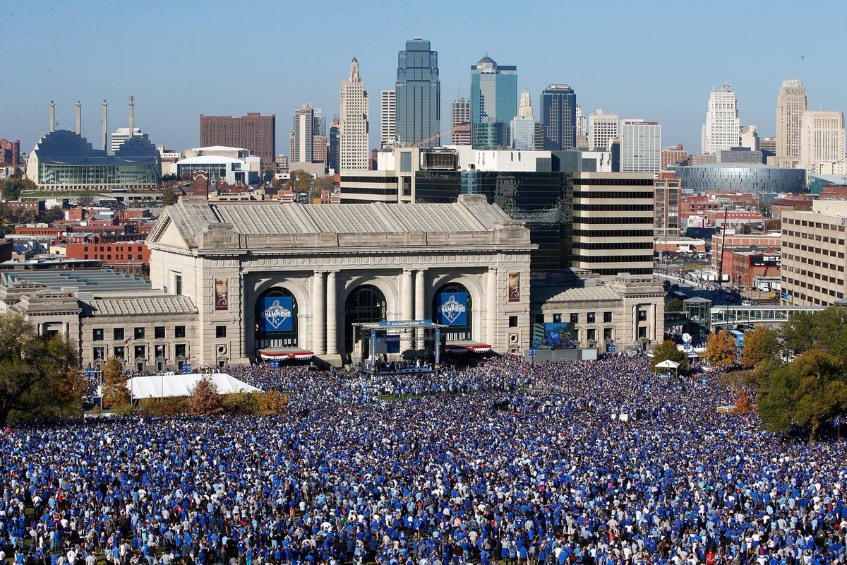 The @Royals parade by the numbers: how much, how many, etc. https://t.co/F6aDZdqIMh Wow. https://t.co/ZybmwkZSS0