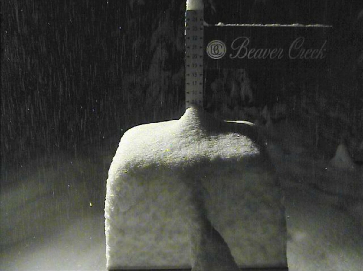 13 inches of new snow in the last 24 hours! https://t.co/siQwbdgVoi