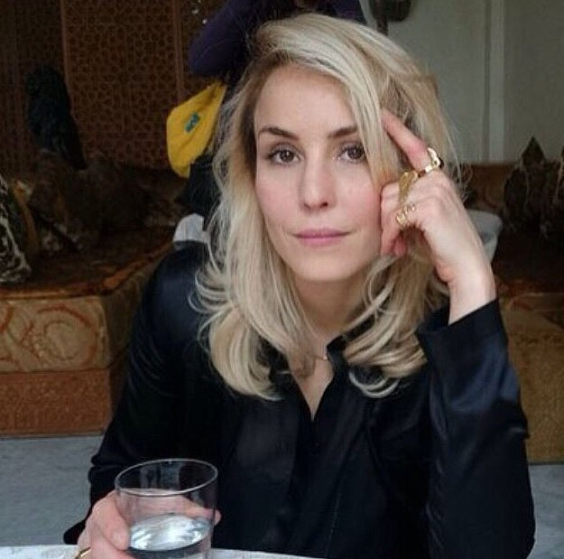 Noomi to play Amy Winehouse in biopic ? See https://t.co/hVlm33iPOv OR https://t.co/2mfgNmeLYu #noomirapace https://t.co/stNAcONl6k