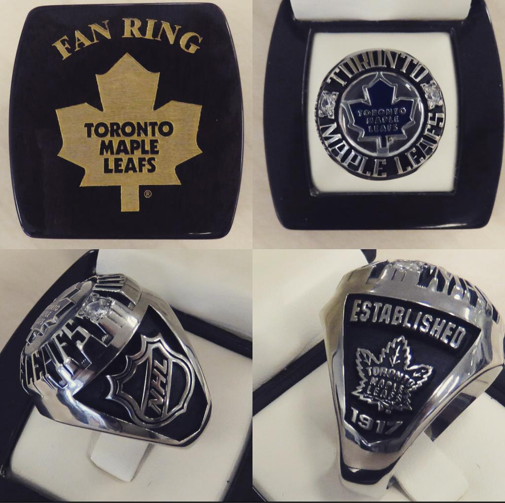Check out our @MapleLeafs fan ring, exclusively available to @RealSports Apparel. RT, if you want one! @Jostens https://t.co/89iBXm9eEe