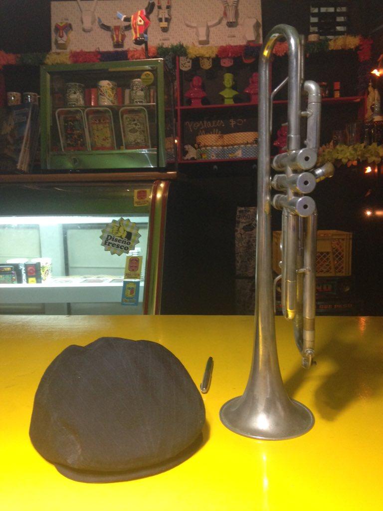Señoras y señores, en la #TiendaMONO la trompeta del Maestro Pacho Galán. Cuanta energía sabrosa! https://t.co/S4OBwOlogg