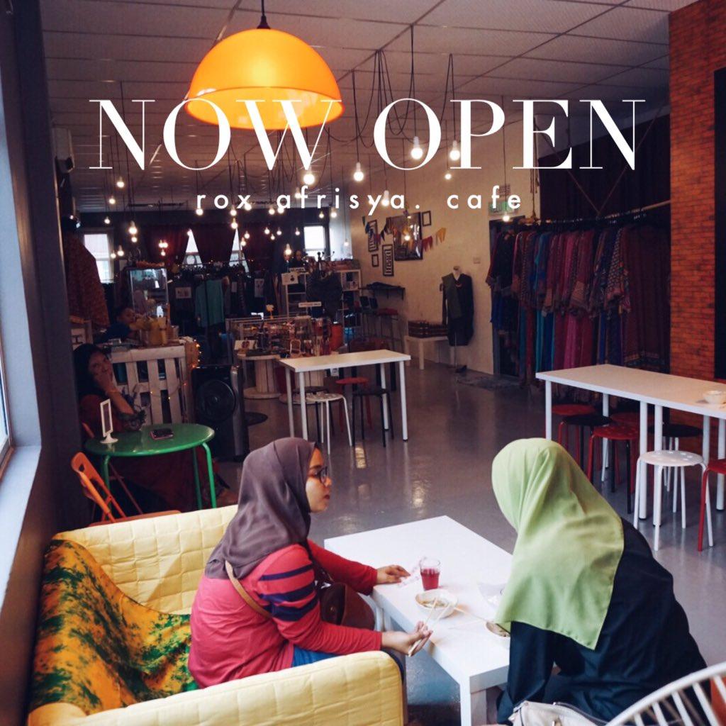 Tolong lah Retweet kita. Rox Afrisya Boutique Cafe di Batu Pahat Johor. Tmn Flora Utama je! instagram: roxafrisya