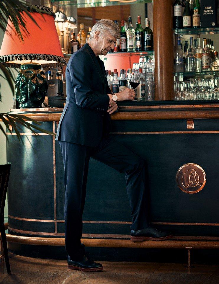 Arsene Wenger jadi model di L'Equipe's Sport & Style...kalah keren deh Giroud. :) https://t.co/kkRUB6O43G