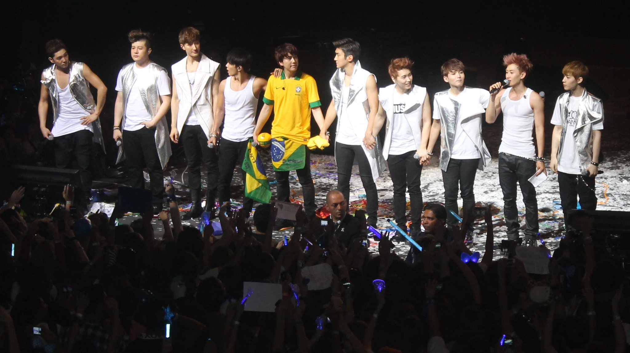 Super Junior holds the record for the largest Kpop concert in Brazil https://t.co/pZhiyeRLKW