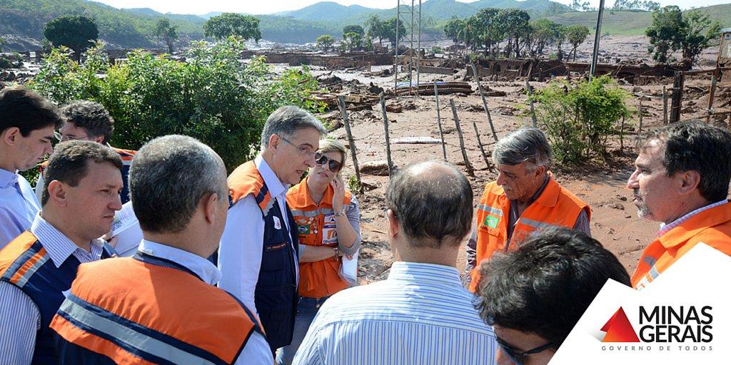 O gov. Fernando Pimentel acompanhou hoje os trabalhos de auxílio às vítimas da tragédia ocorrida em Bento Rodrigues https://t.co/dlZv9LCtz6
