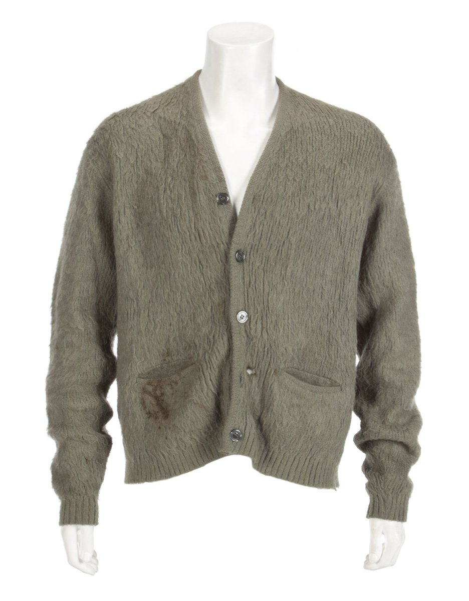 JUST SOLD for $140,800, Kurt Cobain's sweater from Nirvana's MTV Unplugged appearance! #Auction #Nirvana #MTV https://t.co/kZYMpLHcyi