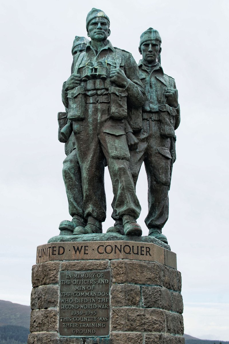 They died that we might live. #LestWeForget #RemembranceSunday https://t.co/21JSenHDD4