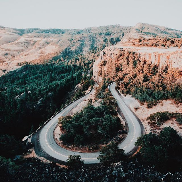Today's #ModernTrail winding through #Oregon. https://t.co/ScsOqFh9a1