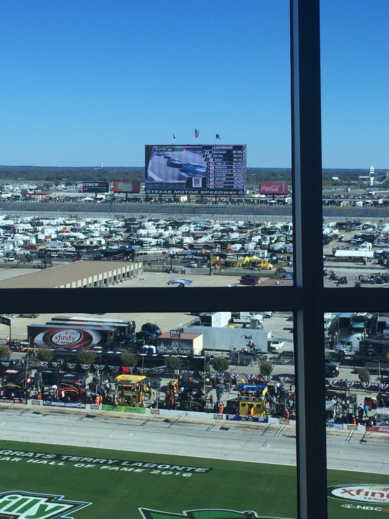 500 RTs and I'll Skype @mattkenseth in on Big Hoss around lap 120. #nascar #AAATX500 https://t.co/6nOWVd0EjH