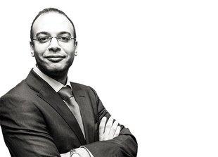 #عاجل | اصطحاب #حسام_بهجت بميكروباص لخارج النيابة العسكرية بدون الافصاح عن وجهته وابلاغ المحامين ان قرار النيابة غد https://t.co/BGnMPkD73V