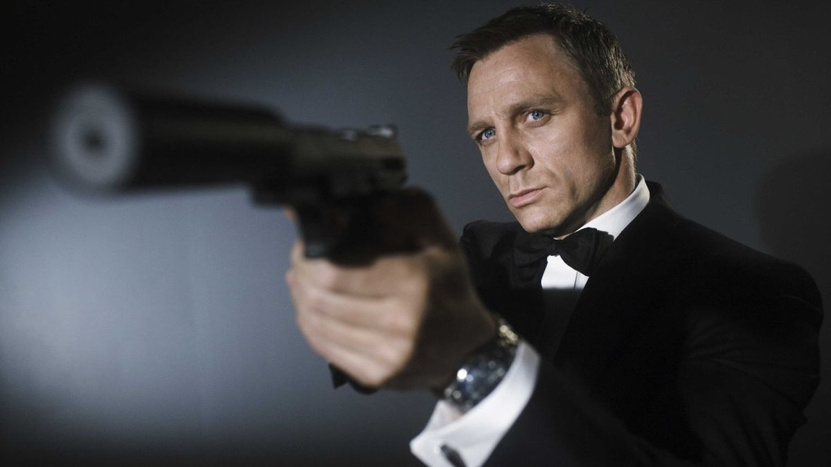 8 Reasons James Bond Will Never Be As Good A Spy As Secret Squirrel