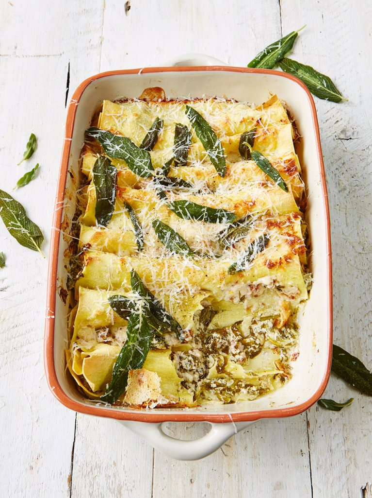 #RecipeOfTheDay Baked cannelloni three-cheese filling with spinach, walnuts & crispy sage https://t.co/PxQiSEbfJT https://t.co/p5pZ5yc0By