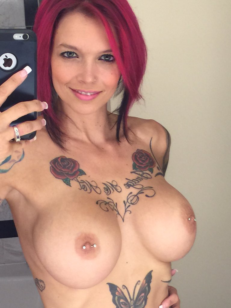 1 pic. #MirrorMonday means I'll have some extra fun angles to cum to today! Logging on