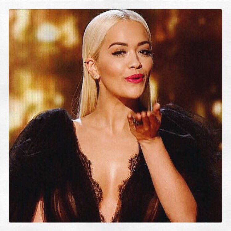 RT @MarchesaFashion: Sultry. X @RitaOra killing it in our #ss16marchesa on Saturday night at @TheXFactor! #marchesa https://t.co/PdOyyj3FKP