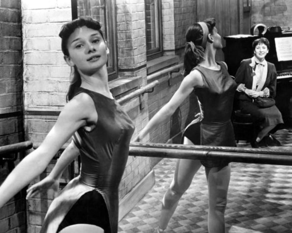 Audrey Hepburn, dancing, 1950. https://t.co/099TbVvIlQ