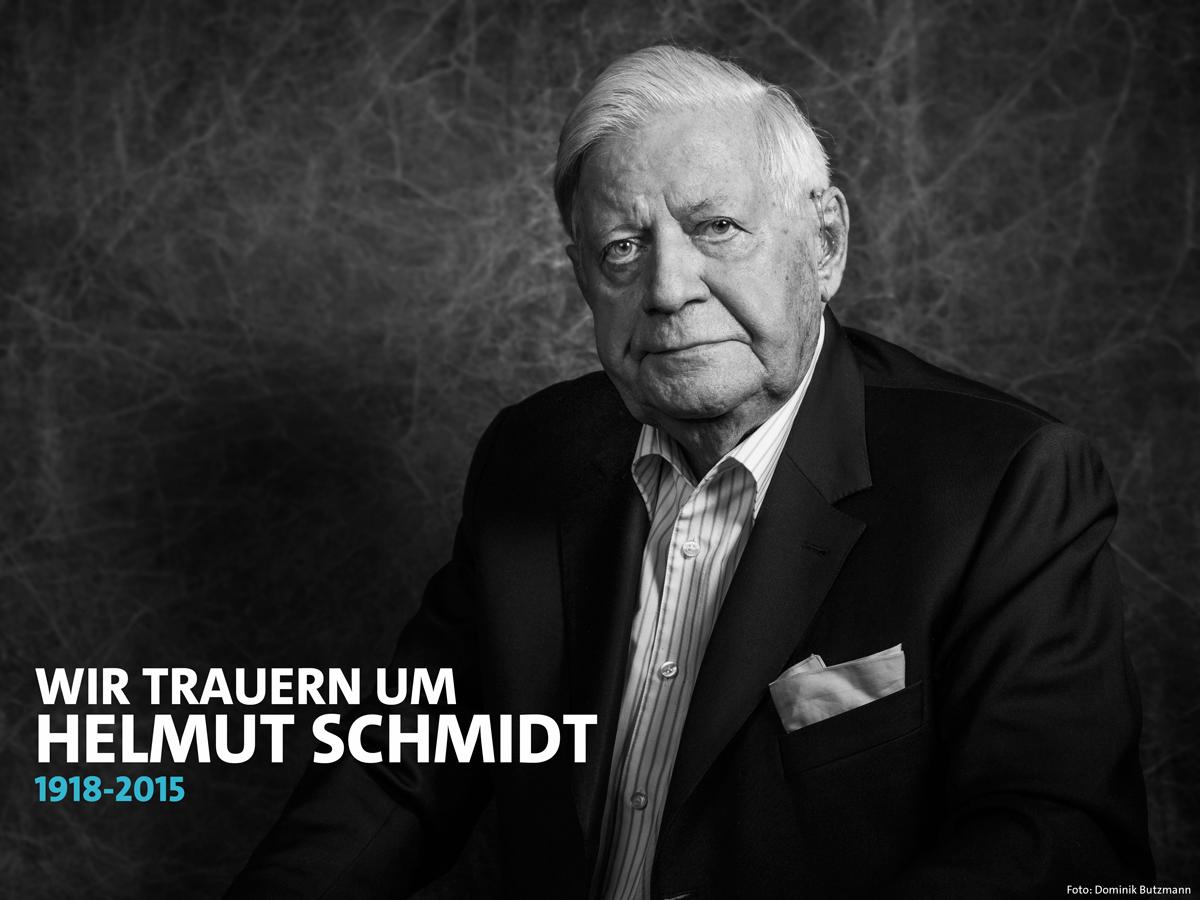Wir trauern um #HelmutSchmidt, einen der größten Staatsmänner unserer Zeit. https://t.co/oVXytOeKfg https://t.co/z1RP3qwC2E