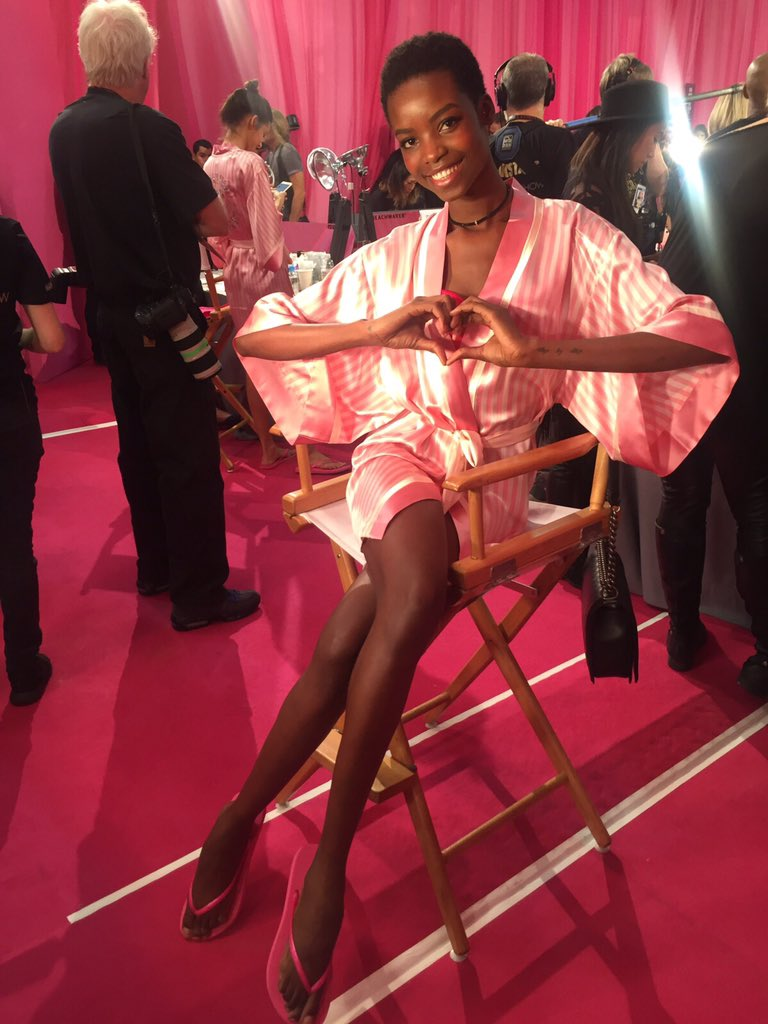 RT @IamMariaBorges: Sending you much love from backstage of the #VSFashionShow2015 @VictoriasSecret ???????????? https://t.co/axXC5q9Ei9